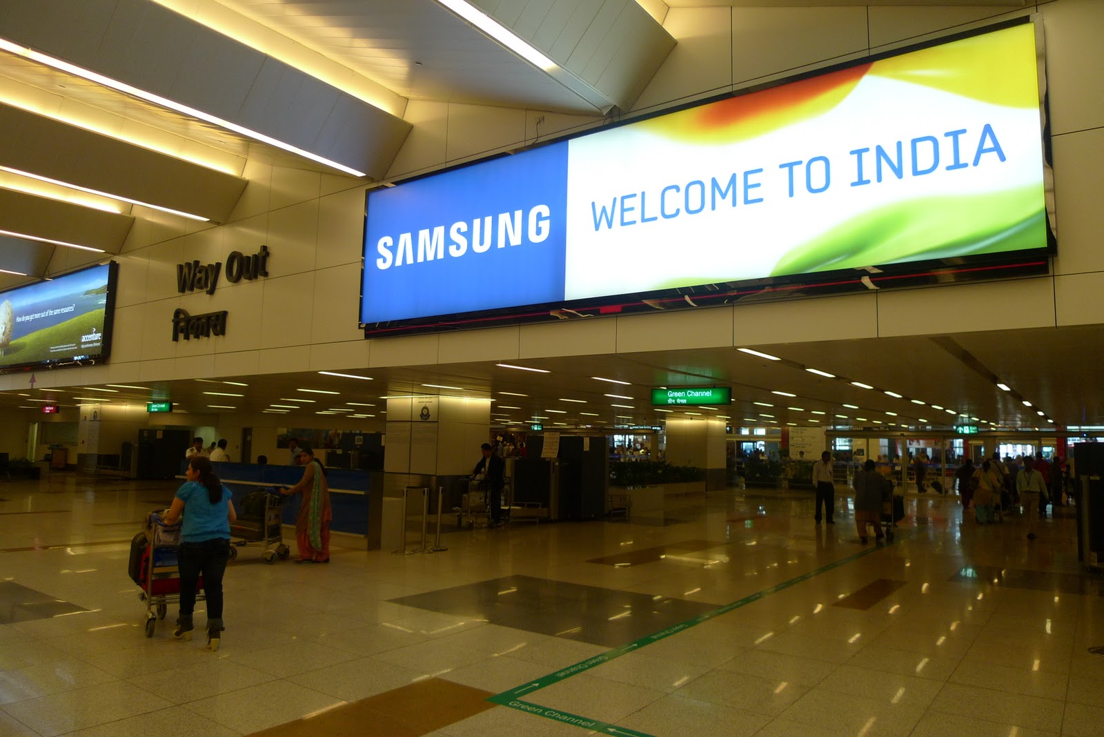 welcome-to-India-at-Indira-Gandhi-International-Airport